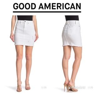 NWT GOOD AMERICAN The Distressed Denim Skirt Sz 22